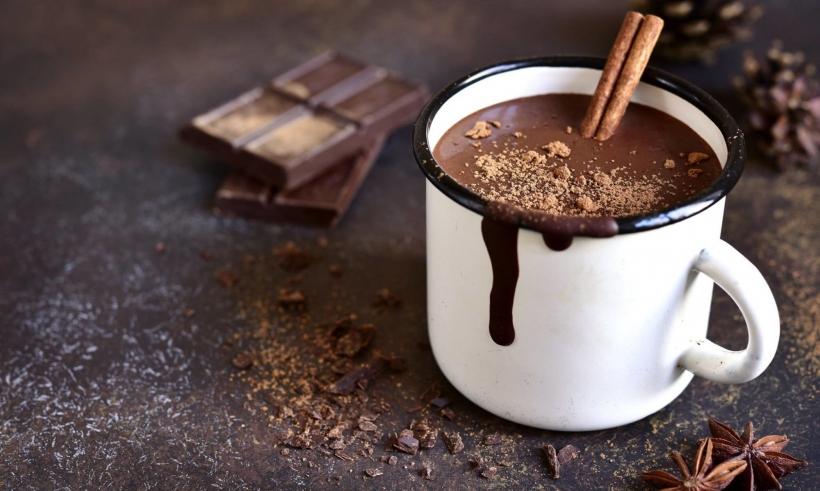 Chocolate Quente com Cachaça